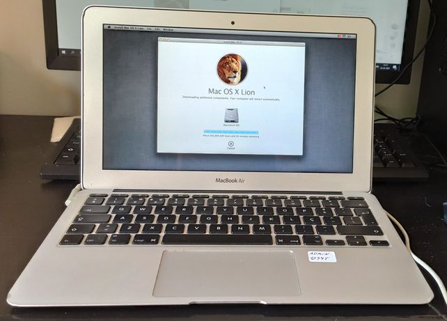 MacBook Air (11-inch, Mid 2011)