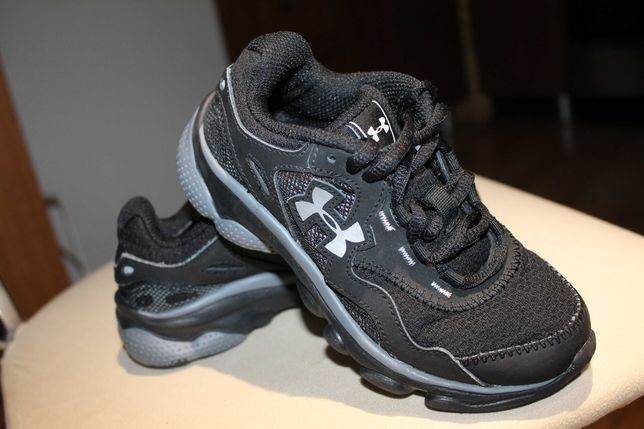 Кросівки кроссовки взуття дитячі Under Armour 28 розмір (28,5)