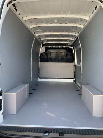 Zabudowa busa furgonu Peugeot Partner L2H1 zabudowa sklejka