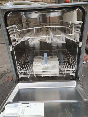Посудомойка встроенная Siemens 60 см ширина