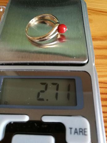 Złoty pierścionek 18k