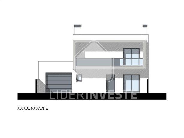 Moradia T4 | Em construção | Garagem Individual | Logrado...