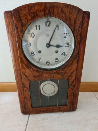 Relógio antigo - Reguladora (fabrico português)