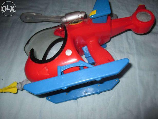 """Brinquedo """"Homem Aranha - Helicóptero"""""""