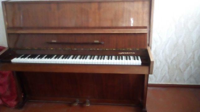 Фортепиано, Пианино Чернигов. Работает. Механика в отличном состоянии