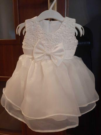 piękna sukienka na chrzest 62-68