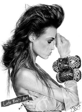 Портрет девушки с браслетом (Ясмин Ле Бон). Простой карандаш. Реализм.
