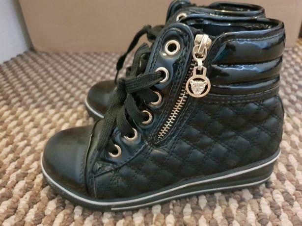 Buty buciki czarne pikowane. Rozmiar 29