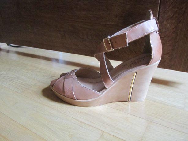 skóra koturny buty sandałki lasocki rozm. 40