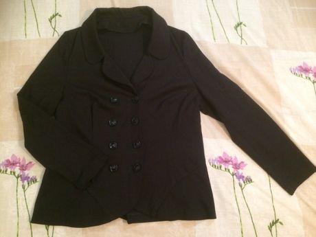 Пиджак трикотажный в отличном состоянии