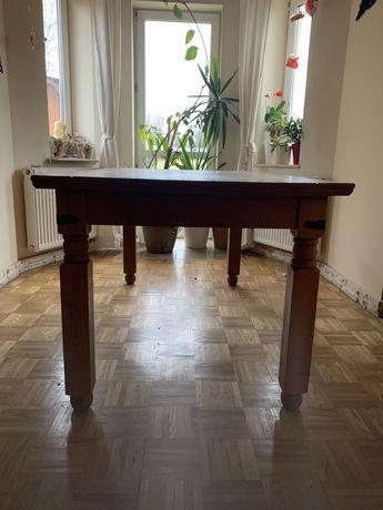 Sprzedam stół drewniany wraz z krzesłami 6 szt