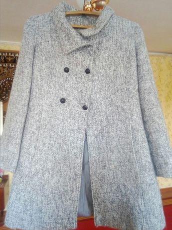 Продам недорого пальто
