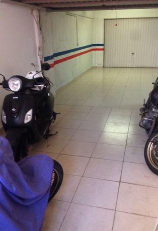 Espaço em Garagem Massamá Norte e em Fitares (Rio de mouro)