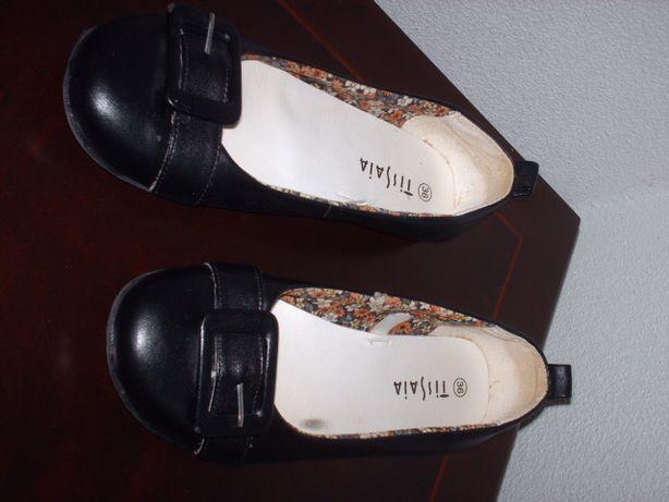 Sapato/sabrinha preta 36