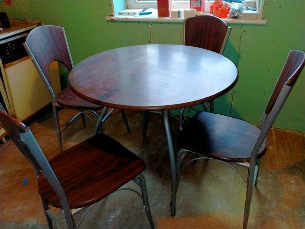 Komplet : Stół + 4 krzesła
