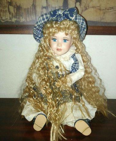 Conjunto de 4 bonecas de porcelana antigas para colecção