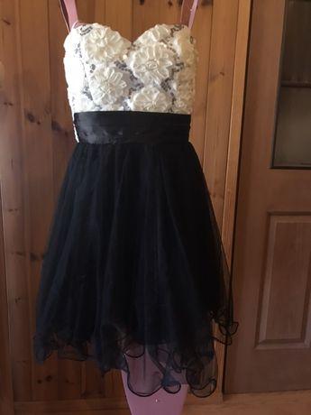 Sukienka okolicznoscioea r XS