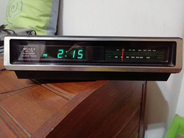 Mekka Electronic Clock Radio FS-3112