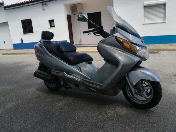 Mota Suzuki Burgman 400 cc