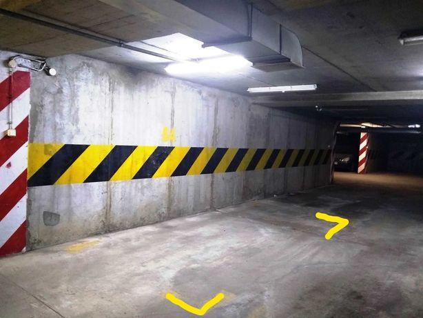 Miejsce parkingowe w garażu przy ul. Hirszfelda 3 w Lublinie
