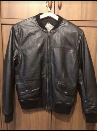 Фирменная кожаная мужская куртка р S/M.  Натуральная кожа ягнёнка .