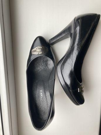 Туфли черные лаковые кожаные