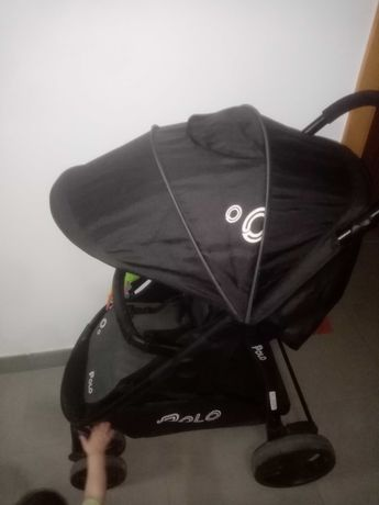 Carrinho de bebé marca polo
