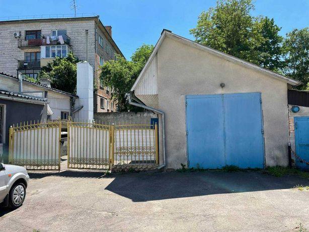 Оренда гаража з підсобними приміщеннями 47 кв. м. по вулиці Відінській