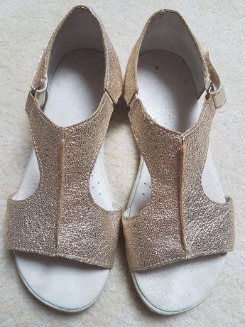 Sandały Kornecki 32