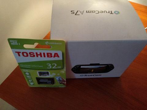 Wideo rejestrator, kamera samochodowa TrueCam A7S + karta pamięci