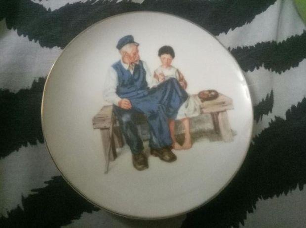 Две тарелки коллекционные