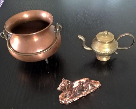 Peças antigas em cobre