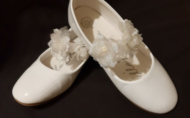 Hit. Piękne białe,balerinki buciki lakierki na Komunię