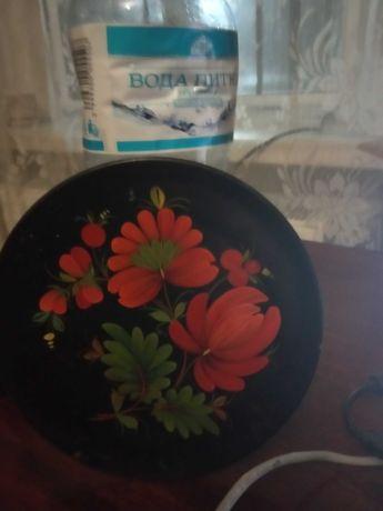 продам   тарелку  с  петриковскрй  росписью