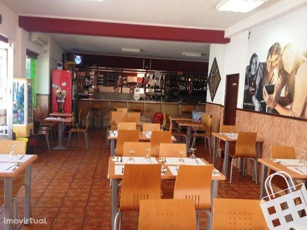 Snack-bar - Café para trespasse junto ao Bompastor e Palmilheira. Exce