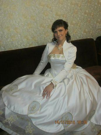 Продам свадебное платье 15 тыс