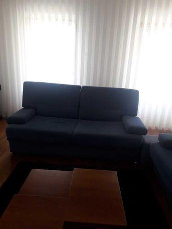 2 sofás azuis para sala (Um é sofá-cama)