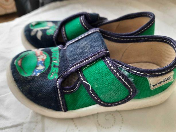 Обувь Waldi размер 24 валди в садик домашние тапочки.