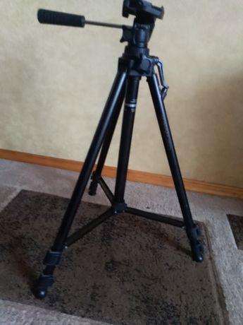 Продам штатив для професійної фотозйомки
