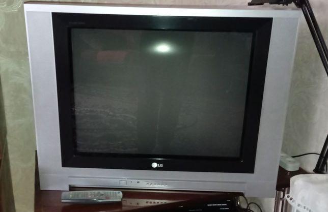 дешево рабочий телевизор LG RT-29FE61RX 29 дюймов с пультом
