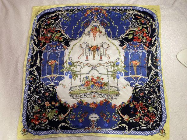 Красивый шелковый платок gerry weber шов роуль