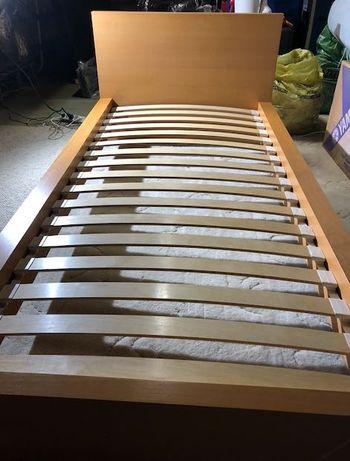 Łóżko pojedyncze 90 x 200, z listwami,  z materacem sprężynowym