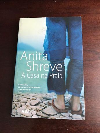 "Livro ""A casa na praia"", de Anita Shreve"