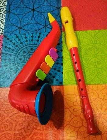 """Flauta e """"saxofone"""", usados mas em bom estado."""