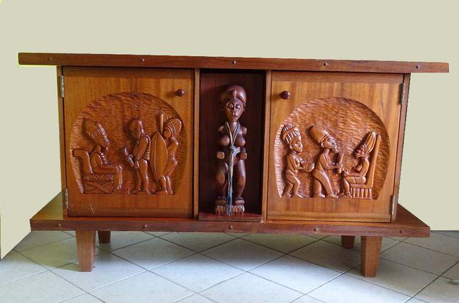 komoda ręcznie rzeźbiona
