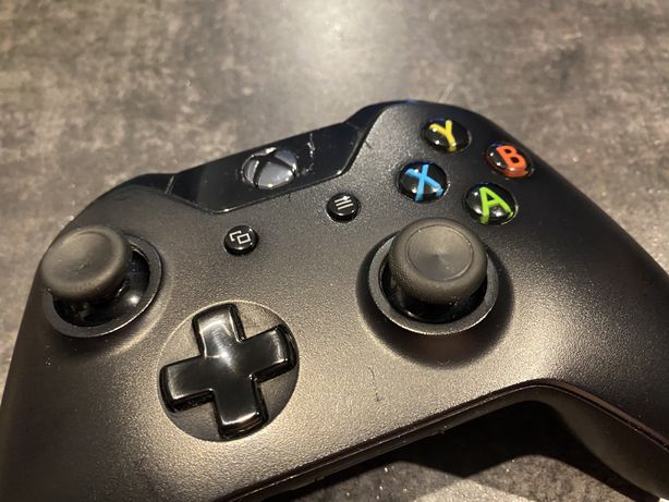 Konsola Xbox one + 8 gier i pad