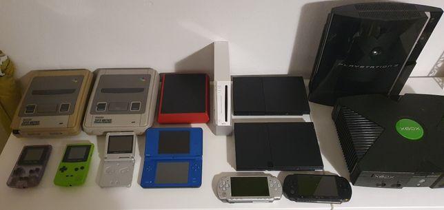 Várias consolas Nintendo Playstation e Xbox Gameboy Color Sega Saturn