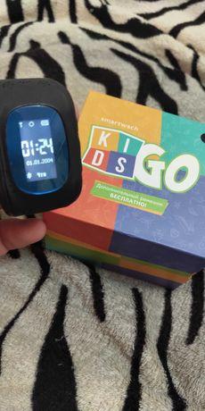 Детские телефон-часы с GPS kids go.