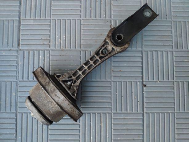Подушка двигателя нижняя, шкода октавия тур, skoda octavia tour 1.8t