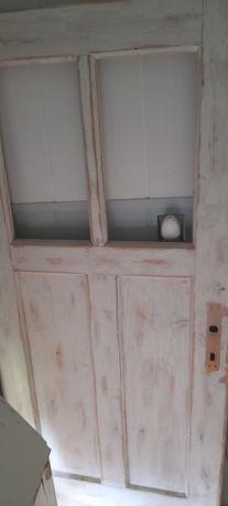 Stare drzwi drewniane